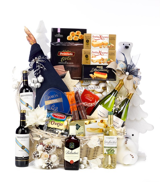 christmas-hamper-2422307_640