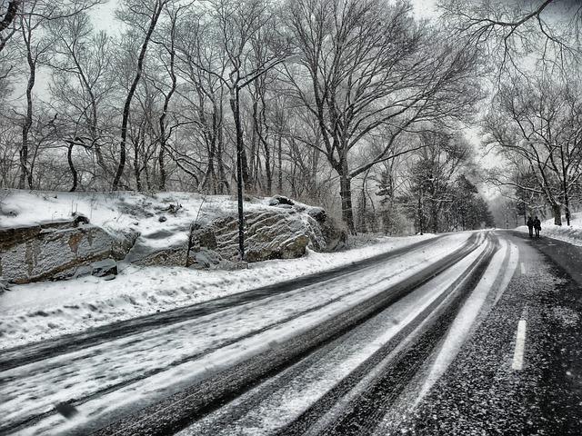 Zima vie potrápiť vodiča!