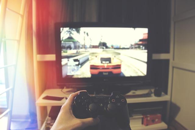 Televízor, ovládač z PS2.jpg