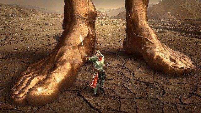 Obrovské nohy obra na púšti.jpg